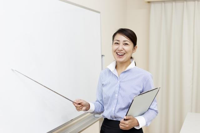 一級建築士の副業:資格予備校の講師業のイメージ写真