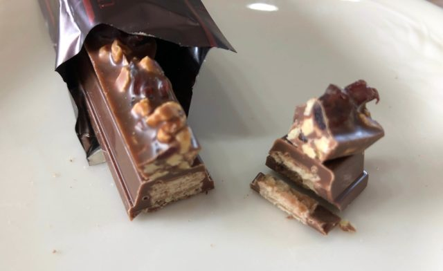 キットカット「モレゾン」ミルク味ショコラティー断面の写真