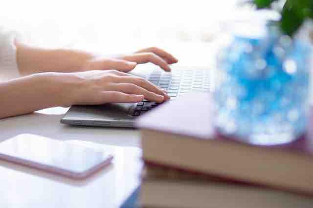 副業を始める前の女性におすすめの本は?読んで良かったベスト5のイメージ画像